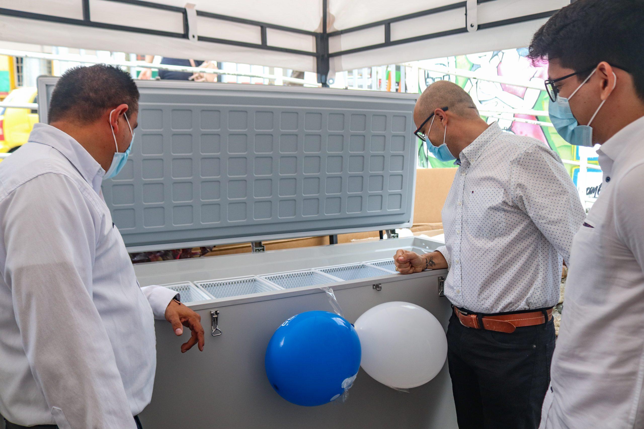 Celsia dona equipos de refrigeración de vacunas a 18 hospitales del Tolima